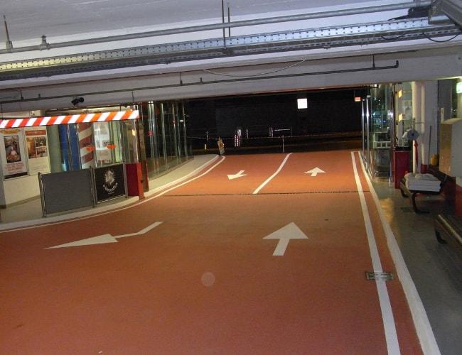 Pavimenti in resina metacrilata pavimenti per parcheggio - Garage pavimento ...